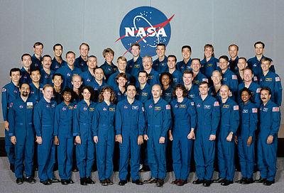 400px-nasa_astronaut_class_of_1996