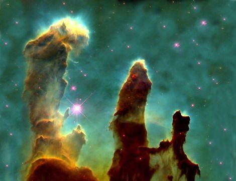 Nebula Elang (Eagle nebula). Image credit: NASA